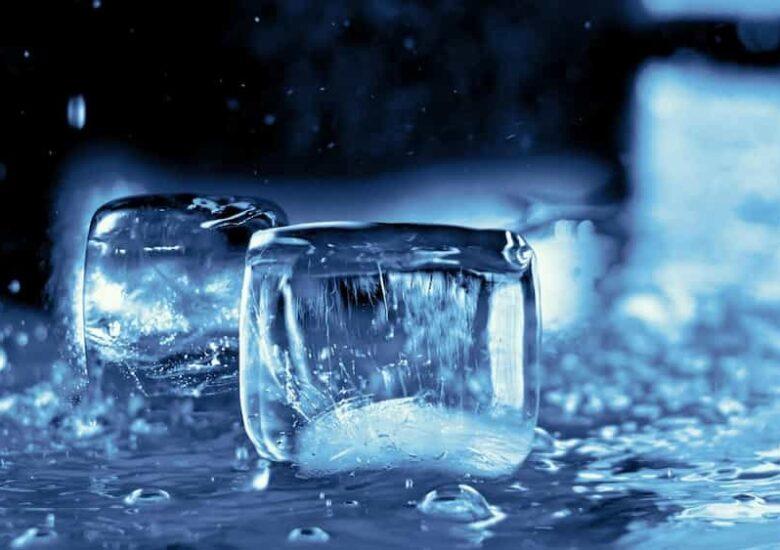 Glaçons de gel fonent